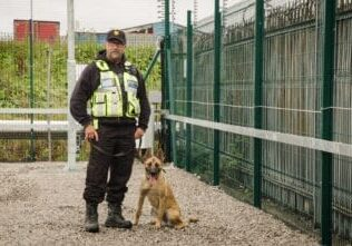 Uniqwin-security-patrol-Dog-Handler_2